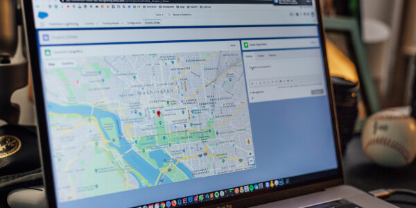 What are geofence warrants?