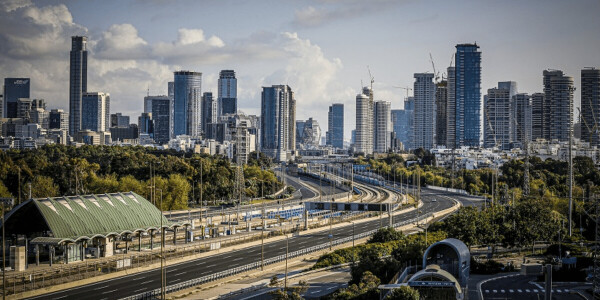 Tel Aviv pilots 'electric road' in attempt to charge public busses on the fly