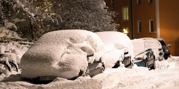 5 tips to keep your EV safe during cold weather