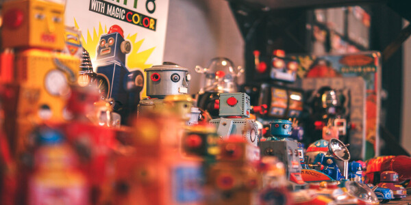 What robot swarms can teach us about making collective decisions
