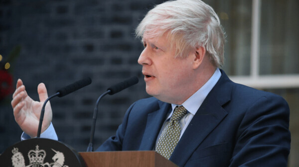 Boris Johnson's government wants to replace migrant workers with automation
