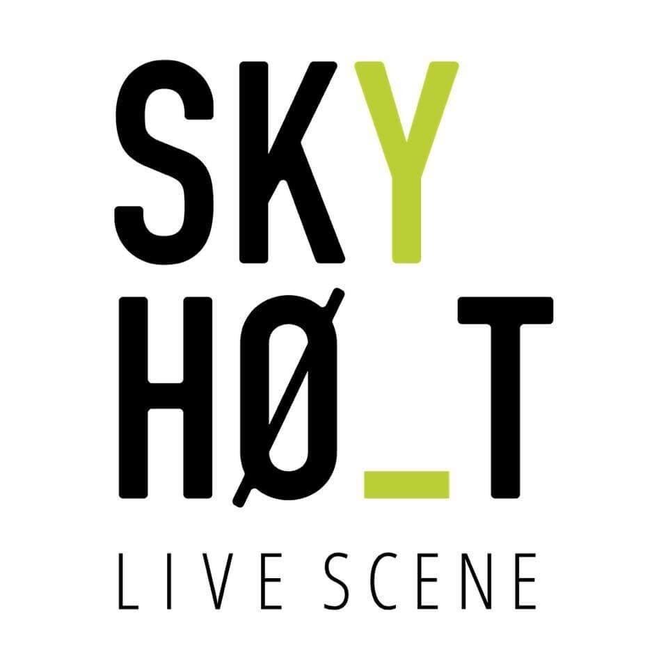 Skyhøyt live scene
